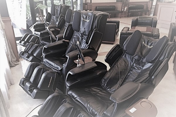 ... These Recliners Are Specially Designed To Match The Natural Contours Of  Your Body. Sitting In A Recliner Chair Is Like Sitting In The Lap Of  Luxury!!!